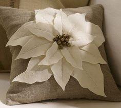 poinsettia pillow tutorial.