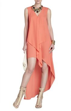 Vestido TARA HIGH-LOW MAXI DRESS  BCBG Max Azria 2015 salmón con escote en v y falda tail hem.