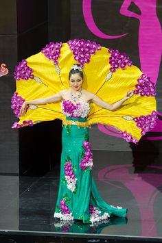 Singapore National Costume for Miss Universe 2013