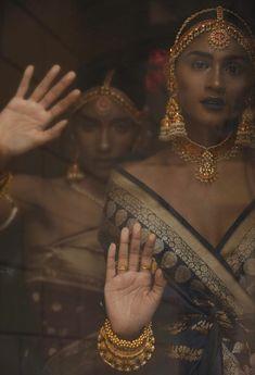 Oriental Fashion, Indian Fashion, Indian Aesthetic, Indian Photoshoot, Indian Princess, Vintage India, Rihanna Style, Princess Aesthetic, Aesthetic People