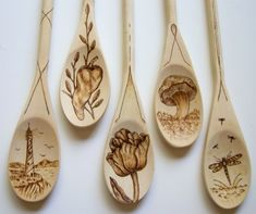Wood burning on wooden spoons Wood Burning Crafts, Wood Burning Patterns, Wood Burning Art, Wood Crafts, Spoon Art, Wood Spoon, Pyrography Patterns, Pyrography Ideas, Gourd Art