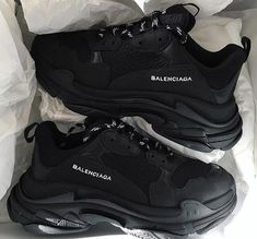 Balenciaga shoes,Balenciaga black sneakers trendy shoes Sneakers for Girls - Comfortable Once they certainly were section of sports fashion alone, today they're a tren. Sneakers Fashion, Fashion Shoes, Men Fashion, Nike Fashion, 1940s Fashion, Fashion Clothes, Fashion Ideas, Fashion Tips, Skinny Jeans Damen