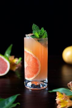 Old Fashioned Paloma - (Bourbon and Grapefruit Cocktail) - Moody Mixologist Mezcal Cocktails, Cocktail Bitters, Bourbon Cocktails, Cocktail Drinks, Cocktail Recipes, Craft Cocktails, Cocktail Ideas, Drink Recipes, Grapefruit Cocktail