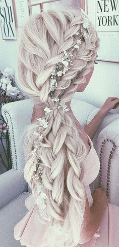 These are really cute wedding hairstyles that can inspire anyone and make them dream to get get married in these hair styles