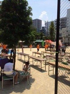 福岡市中央区の薬院公園で開催されたわくわくパークに参加してきました 熊本地震で被災した地域の自治会長の講話テントの張り方講座ワークショップ非常食の試食などのイベントが開催され多くの家族連れで賑わっていましたよ() 特に自治会長の講話は災害が発生した時の初動対応の大切さフェイスブックやLINEなどのSNS活用の有効性地域でのコミュニケーションの重要性など非常に勉強になりました( 非常食も試食させて頂いたんですが今の非常食は非常に進化していてパンやクッキーなど市販の物と遜色ない美味しさでしたよ 日頃から防災意識を高めることが大切ですね tags[福岡県]