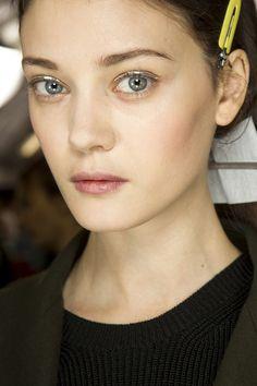 Eye-liner futuriste chez Dior