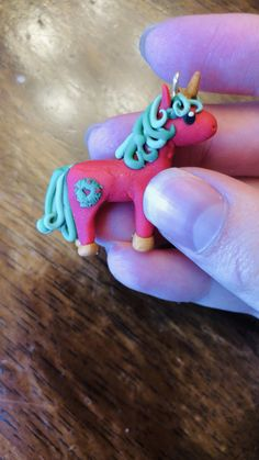 Polymer Clay Animals, Polymer Clay Crafts, Polymer Clay Jewelry, Christmas Horses, Christmas Unicorn, Christmas Jewelry, Diy Christmas Gifts, Christmas Decorations, Unicorn Jewelry