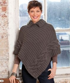 Fuente: http://www.redheart.com/free-patterns/cabled-collared-poncho