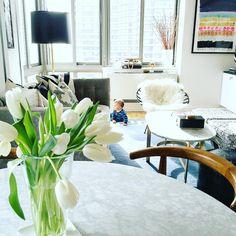 Morning everyone! Family breakfast almost ready.... Woo hoo! #mornings #home #livingroom #nyc