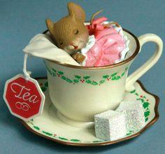 Carlton Card Heirloom Ornament Little Tea Cup of Dream Mouse 129 Cozy Holly Xmas Teacup sleeping Christmas heirloom