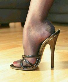 Platform High Heels, Black High Heels, High Heel Boots, Heeled Boots, Pantyhose Heels, Stockings Heels, Sexy Heels, Stiletto Heels, Talons Sexy