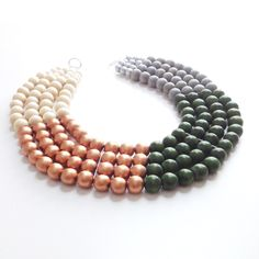 Into The Woods Necklace - dividers for a large necklace - how to keep the beads oprganized.
