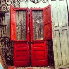 Who doesn't love RED doors we do?