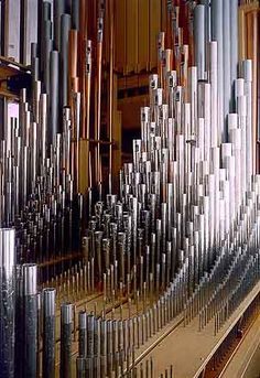 "Sneeking a few notes on Handel's organ in Rome! Oooopps! ""take me out to the ball game..."" doesn't fit inside a church!"