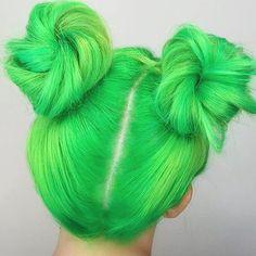 Eva Tornado toxic + pastel green hair Eva Tornado toxic + pastel green hair – Station Of Colored Hairs Dye My Hair, New Hair, Pastel Green Hair, Colorful Hair, Blue Hair, Lilac Hair, Bright Hair, Coloured Hair, Hair Blog