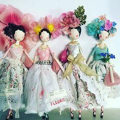 Hello ladies #girlswithpearls #sammckechniedolls #sammckechnie #dollmakerofinstagram #dollmakerinengland #magpieandthewardrobe #themagpieandthewardrobe #shoulderhandbag