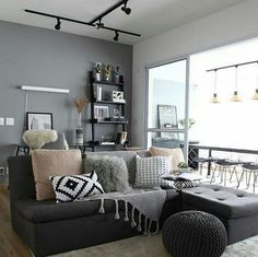 Lustres para sala pequena: 40 modelos e dicas para escolher bem Luxury Homes Interior, Interior Design, Twin Full Bunk Bed, Cool Apartments, Cool Beds, Home Furnishings, Living Room Decor, Sweet Home, House Design