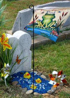 Ms Danyeur's precious baby's memorial, fantastic idea for remembering baby! 'My baby, memorial Grave Flowers, Cemetery Flowers, Silk Flowers, Sunflower Floral Arrangements, Floral Centerpieces, Cemetary Decorations, Picnic Blanket, Outdoor Blanket, Metal Watering Can