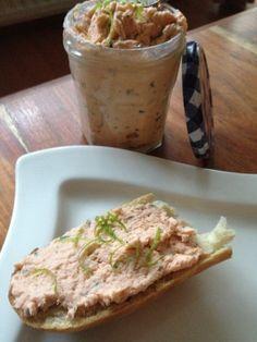 Rillette de truite saumonée par Benkku81 Bread, Food, Kitchens, Recipe, Brot, Essen, Baking, Meals, Breads