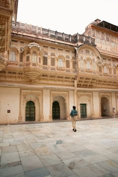 Things to do in Jodhpur in One Day - One Day Jodhpur Itinerary – We Seek Travel Blog Stuff To Do, Things To Do, Jodhpur, One Day, Tour Guide, Beautiful Places, Louvre, India, Explore