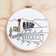 Etsy の Twin Peaks RR Diner Embroidery Hoop Art TV by emptydotroom