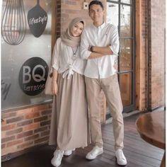 Modern Hijab Fashion, Street Hijab Fashion, Batik Fashion, Hijab Fashion Inspiration, Muslim Fashion, Fashion Outfits, Baju Couple Muslim, Mode Turban, Modele Hijab