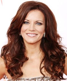 View yourself with this Martina McBride Long Wavy Hairstyle Martina Mcbride, Red Hair For Cool Skin Tones, Celebrity Hairstyles, Cute Hairstyles, Long Wavy Hair, Hair Dos, Good Skin, New Hair, Redheads