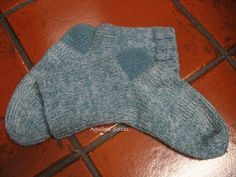 Agulhas Soltas - Artesanato em Geral: Mais meias com calcanhares novos