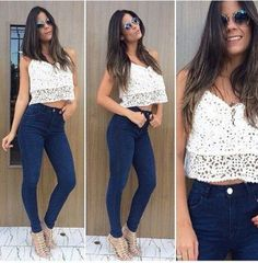 calcas jeans cintura alta com cropped top e sandalia gladiadora