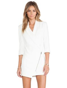White Long Sleeve Asymmetric Zipper Dress 24.19