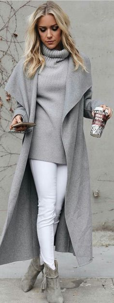Jeans blancos Cardigan gris Botines grises Suéter gris Love style, but maybe with more color. Fashion 2017, Look Fashion, Fashion Outfits, Fashion Ideas, Trendy Fashion, Fashion Fall, Fashion Boots, Fashion Styles, Fashion Clothes