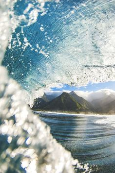 Teauhupoo, French Polynesia | benthouard