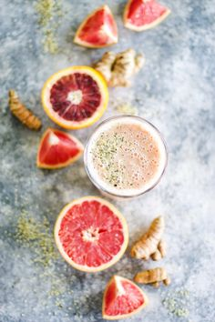 Immune Boosting Citrus Smoothie | This smoothie can be made with whatever citrus you have on hand and is taken up a notch in the immune boosting department by adding turmeric and ginger, bee pollen, probitotics, and has good omegas in there too! @MyDiaryofUs