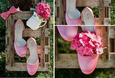 Hochzeitsfarben – Hochzeit in Pink Inspiration http://www.optimalkarten.de/blog/hochzeitsfarben-hochzeit-in-pink-inspiration/