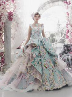 Gorgeous Haute Couture Wedding Dresses Ideas For Your Luxurious Wedding 19 Bridal Gowns, Wedding Gowns, Fantasy Gowns, Fairytale Dress, Colored Wedding Dresses, Beautiful Gowns, Dream Dress, Pretty Dresses, Marie