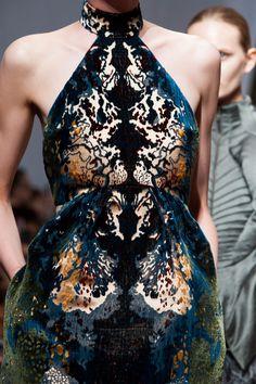 girlannachronism:  Yiqing Yin fall 2013 couture details