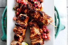 Possuvartaat ja raparperisalsa Tandoori Chicken, Salsa, Eat, Ethnic Recipes, Drink, Food, Gravy, Salsa Music, Restaurant Salsa