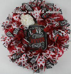 Valentines Wreath. Valentines Deco Mesh Wreath, Valentines Black and Red Wreath, Handmade Valentines Wreath