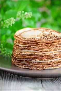 Dutch Pancakes (pannekoeken) met stroop en suiker of met appel en kaneel