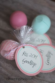 Kiss-it-goodbye-gift-idea - EOS Lip Balm, plastic Baggie, baker's twine, cute printable tag. Cute stocking idea, something extra to throw in the gift bag, or just to pass out to friends as a little sursie!