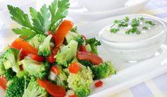 Šalát z brokolice Vegan V, Broccoli Salad, Bruschetta, Tofu, Ethnic Recipes, Royalty, Photos, Free, Red Peppers