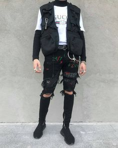 Want these summer korean fashion streetwear supreme hypebeast mens fashion fashion sn Grunge Outfits, Grunge Fashion, Urban Fashion, Fashion Fashion, Womens Fashion, Aesthetic Fashion, Aesthetic Clothes, Gucci Jeans, Cool Outfits