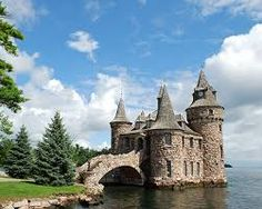 Find out why a trip to Boldt Castle in Alexandria Bay NY is something that architecture or history enthusiasts will enjoy. Carl Sagan, Castles In America, Places To See, Places Ive Been, Alexandria Bay, Castles To Visit, Storybook Homes, Beautiful Castles, Travelogue