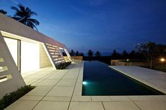 Aqualina Residence is an unusal looking contemporary holiday villa in Koh Samui, Thailand. Found on Freshome, this is undoubtedly one of Samui's most recog Pool At Night, Koh Samui Thailand, My Pool, Vacation Villas, Architectural Features, Clean Design, Luxury Villa, Swimming Pools, Beautiful Places