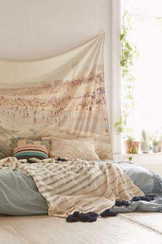 Light palette bed on floor