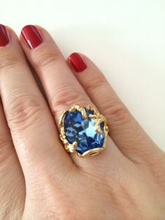 Dont you know what to wear on the party, wedding or any kind of occasion?  This blue Swarovski crystals ring is a great choice. You will be party