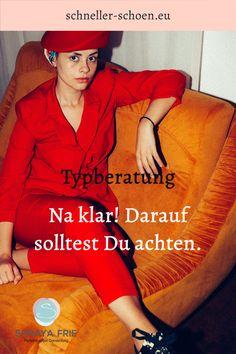 Der Kunde vertraut der Person Um zu wissen, mit wem sie es zu tun haben, achten Sie darauf, dass die Beraterin auf ihrer Website etwas über sich, ihren fachlichen Werdegang und regelmäßige Weiterbildungen aussagt. Der Erfolg einer Typberatung ist die Kombination von fachlicher Kompetenz und Persönlichkeit als Beraterin. #Soraya Frie#www.schneller-schoen.eu#kleiderschranckcheckliste#Farbberatungwintertyp Winter Typ, Lifestyle, Movie Posters, Stylish Outfits, Further Education, Self Awareness, Classic Style, Joie De Vivre, Target Audience