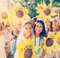 decorations for sweet home bid day theme; would be great as welcome signs or door tags; I LOVE THIS - {Bid day flowers!}