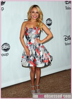 cute dress, hayden panettiere's nashville character not based on taylor swift