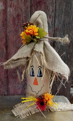 Unique ideas for DIY scarecrow bottles that enrich your creative arts … - DIY CRAFTS Fall Wine Bottles, Wine Bottle Art, Painted Wine Bottles, Halloween Wine Bottles, Beer Bottle, Decorative Wine Bottles, Christmas Wine Bottles, Vodka Bottle, Scarecrow Crafts